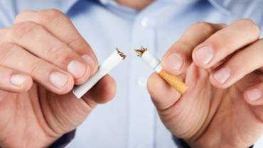Nicotine replacement therapy causes an increase in cardiovascular events during a 52-week follow-up period